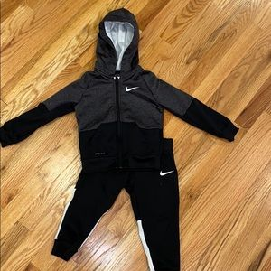 Nike toddler warm up suit 3t